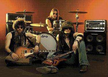 http://www.rockwired.com/zo2.jpg